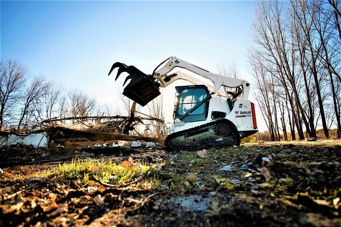 achat vente location réparation entretien chez votre concessionnaire bobcat region paca chargeuses, mini-pelles chariots télescopiques
