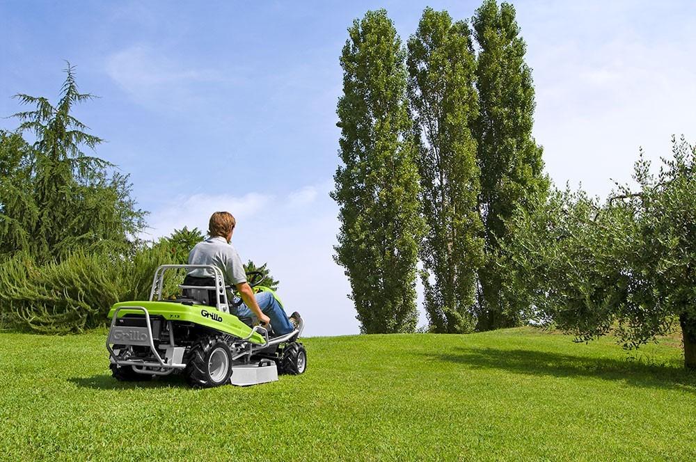 tondeuse motobineuse motoculteur trimmer motofaucheuse Machines spéciales pour la coupe de l'herbe tondeuses autoportées frontales avec ramassage chez NOVA. 12 agences dans le sud-est en région PACA - Aix - Marseille - Nice -  Arles - Nîmes - Avignon. Département 13-30-84-26-83-04-05-06