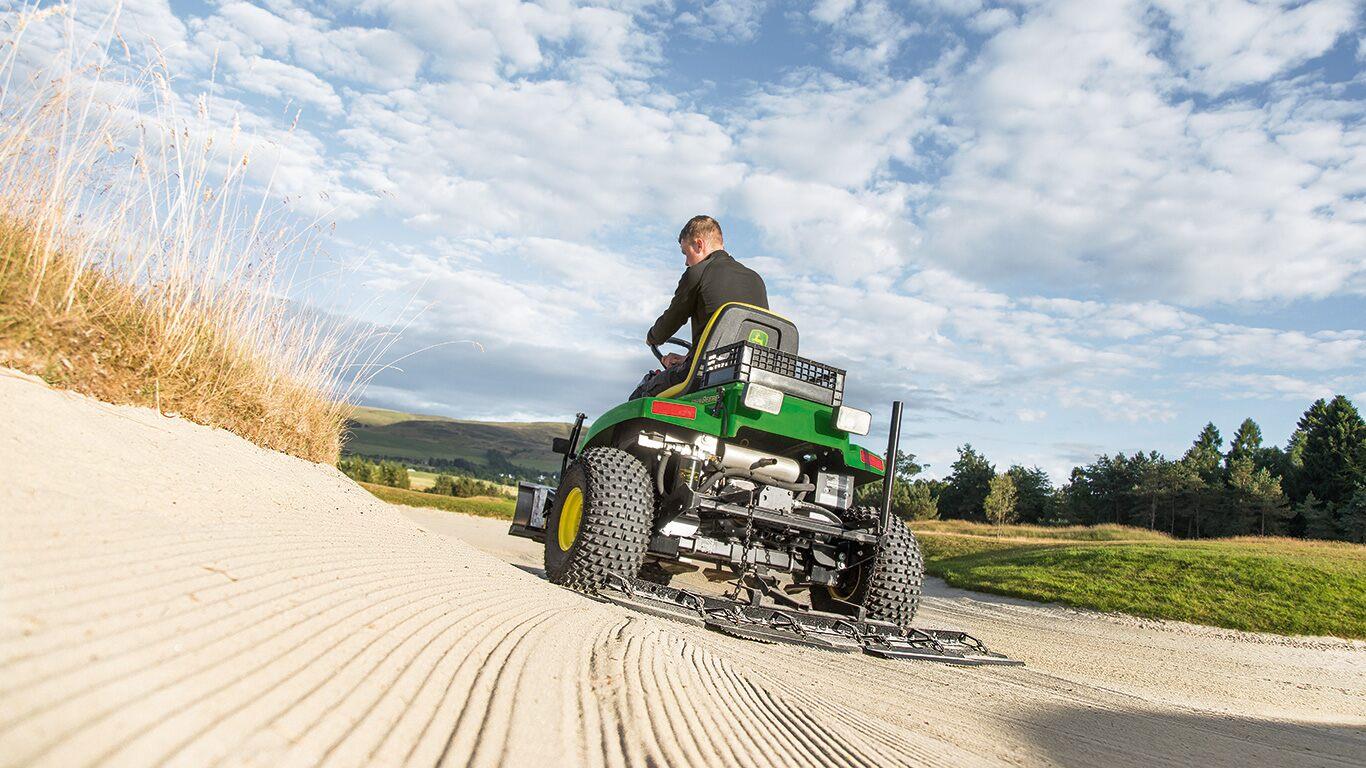 NOVA GOLF, votre nouveau concessionnaire exclusif John Deere golf sur 12 départements : 2A, 2B, 06, 84, 83, 26, 04, 05, 13, 11, 30 et 34. NOVA GOLF votre spécialiste en équipements d'entretien des terrains de golf et de sport vous propose une gamme complète de matériels ainsi qu'un SAV de proximité. Contactez-nous dès à présent au 04 42 52 44 97